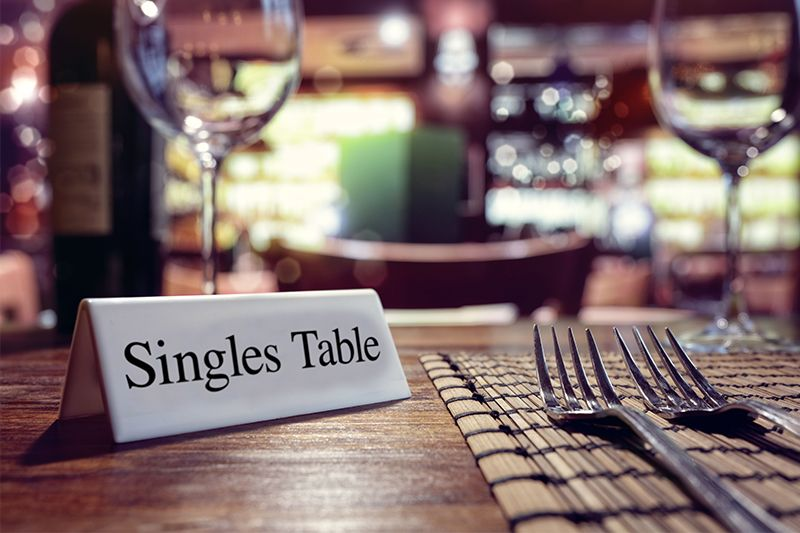 singles table - wedding seating arrangement