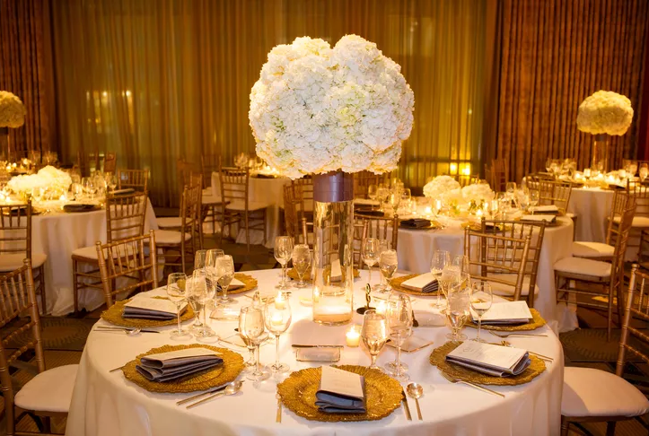 Tremendous 10 Winter Wedding Centerpieces That Embrace The Cold Season Download Free Architecture Designs Sospemadebymaigaardcom